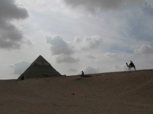 CAIRO piramidegebied van Gizeh, piramide van Chefren