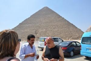 CAIRO piramidegebied van Gizeh, piramide van Cheops