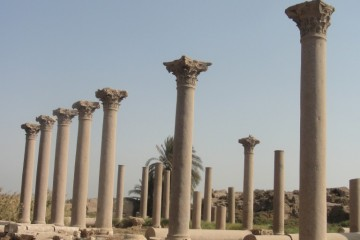 MIDDEN EGYPTE Ashmunein (Hermopolis) basilica