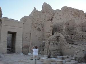 OASE EL-CHARGA tempel van Doesj