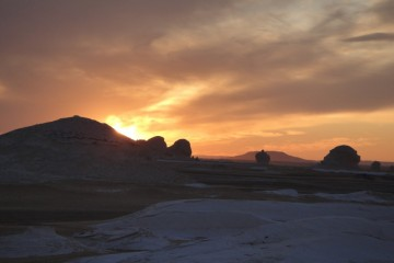 WITTE WOESTIJN zonsondergang