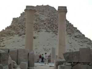 CAIRO piramidegebied van Abusir
