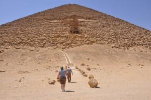 CAIRO piramidegebied van Dasjoer, Rode-piramide