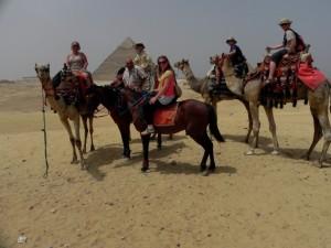 CAIRO piramidegebied van Gizeh, kameeltocht