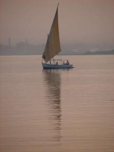 LUXOR felukka op de Nijl