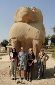 MIDDEN EGYPTE Ashmunein (Hermopolis) kolossen van god Toth