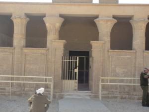 MIDDEN EGYPTE Tuna el-Gebel, graftombe (tempelvorm) van Petosiris